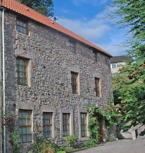 The Old Mill B&B, Bamburgh room - Aamiaismajoitus