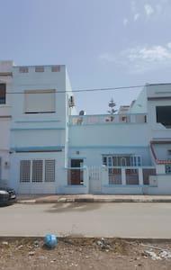Très beau duplex au bord de la mers - Marsa Ben M'Hidi - Rumah