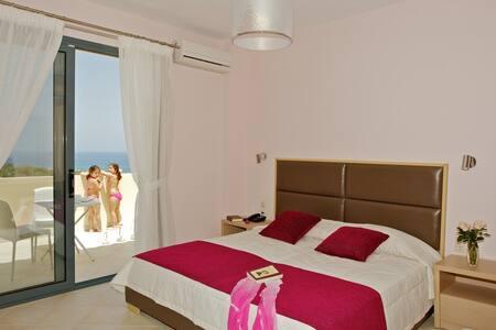 Carme Villas 800 m. from the sea private pool 2 - Adelianos Kampos
