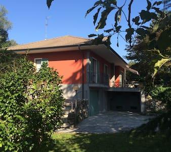 Ferienwohnung, neu renoviert, ruhig gelegen - Feriolo - Apartmen