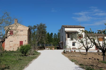 Schönes Haus im Park zu vermieten - House