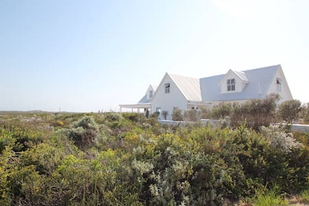 Beach house in a private reserve close to CapeTown - Grotto Bay