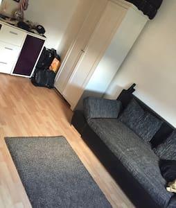 Apartment im Frankfurt Zentral - Lejlighed