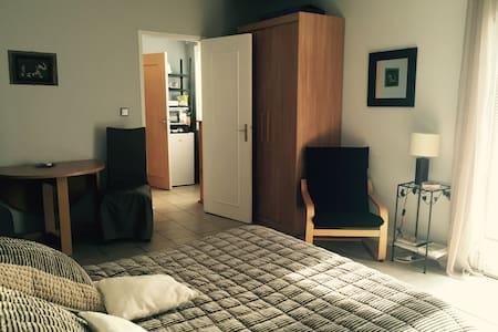 la chambre du vallon - Dardilly - Bed & Breakfast