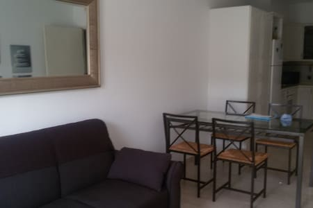 Comfortable two bedroom flat - Huoneisto