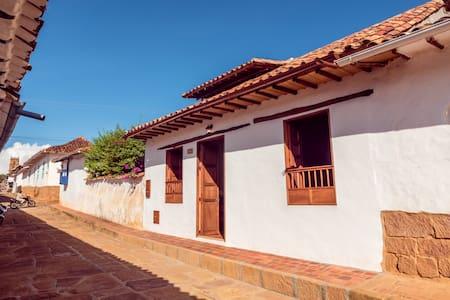 Acogedora Casa Bari La Loma - Barichara - Hus