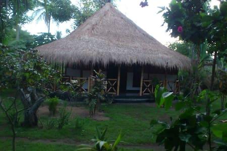 Utopia homestay bamboo bungalow - gili air