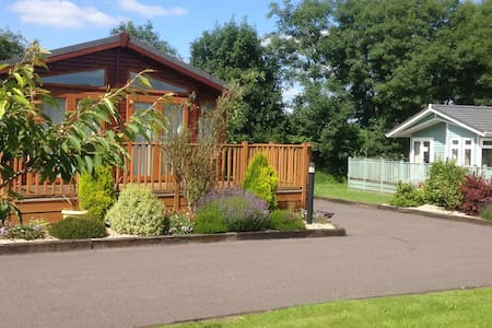 2 Bedroom Deluxe Lodge at Blossom Hill - Honiton