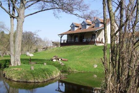 Chałupa Dejnowo - Pilec - House