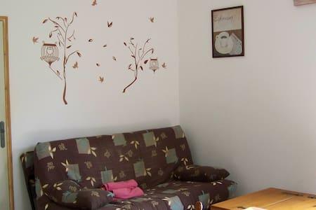 LOUE GITE NEUF DE 65 M2 A 35 MINUTES D'AJACCIO - Wohnung