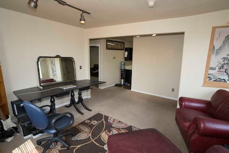 LARGE APARTMENT WITH PARKING AND SECURITY - Boulder City - Apartamento