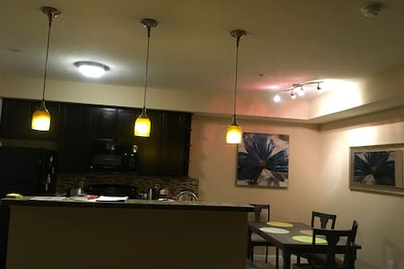 Comfy place close to Easton and airport. - Columbus - Apartamento