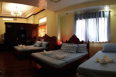 Third & Sean's Place: Family Suite - Legazpi City - Bed & Breakfast