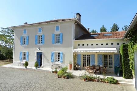 Spacious Family Villa with Heated pool - Sainte-Colombe - Villa
