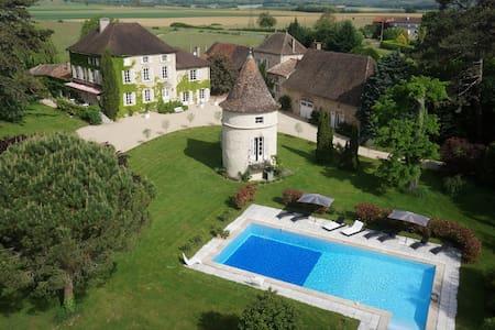 Château de Mirande La Chambre Bleue - Castillo