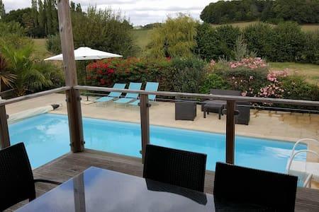 Maison  de 160 M2 avec piscine chauffée - Haus