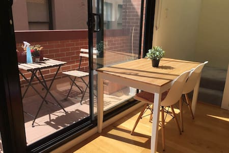 Comfy Apt. 5 Min Walk to Sydney Central - Chippendale