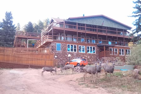 7 Bedroom Jacuzzi Mountain Lodge - Green Mountain Falls