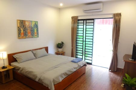 Very Secure & Cozy Quiet Apartment