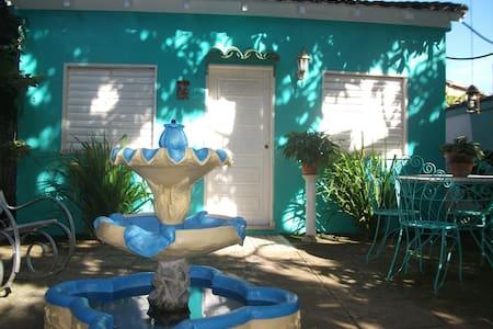 Hostal El Oasis - Remedios - Szoba reggelivel