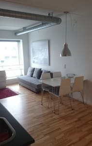 Central apartment with view over the harbour. - Aalborg - Apartment