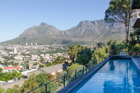 Stylish Studio S High Above Town - Cape Town