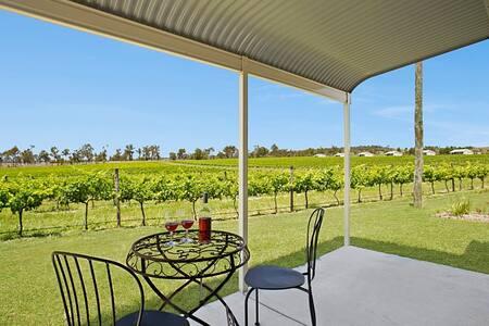 2 bedroom/2 bathrm home located on vineyard.AIRCON - Peak Crossing