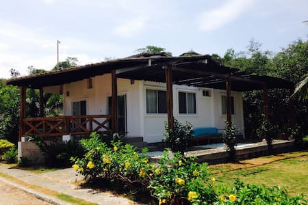 Modern 2 bedroom beach cottage - Olon - House