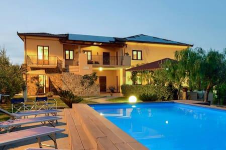 Villa Ambrosia Casa vacanze Castellabate Cilento - Flat