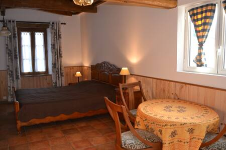 Studio , chambre d'hôte Moulin des Sandaux - Guesthouse