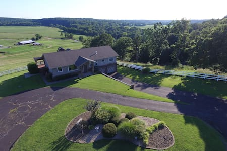 Retreat Haven on 400 acres - Anderson