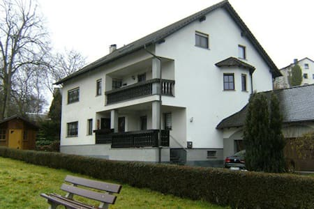 6 x Zimmer in Eltmann - Apartment
