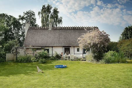 Charming cottage 25 min from Cph - House