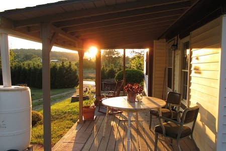 Homestead Retreat & Gardens - Cobden