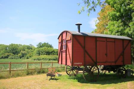 The Railway Wagon - Hacheston - Cabana
