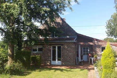 Gite meublé, jardin,terrasse, cheminée feu de bois - Talo