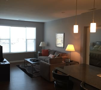 Professionally Managed Luxury Two Bedroom Apt - Columbus - Pis