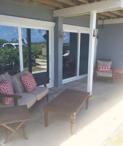 2 bd/2 ba Beachfront Getaway!! - House