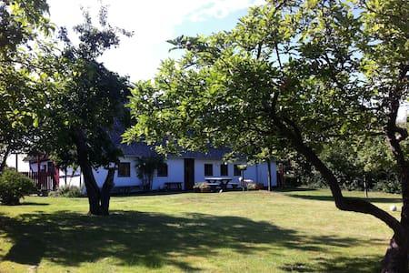 Charmerende feriehus på Langeland - Humble