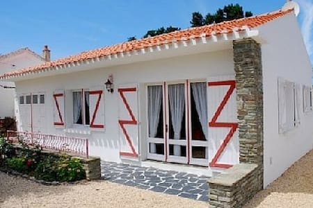 Family residence close to the beach, dogs allowed - Bretignolles-sur-Mer - Hus