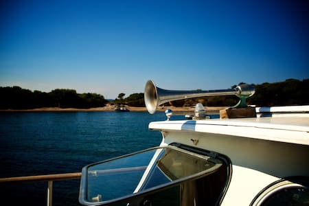 Vintage & Active Motor-Yacht - Boot