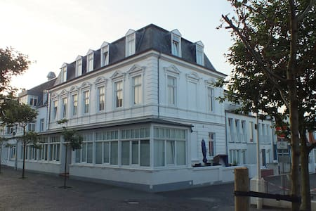 Zentrale Wohnung in der Villa Liewald mit Terrasse - Ortak mülk