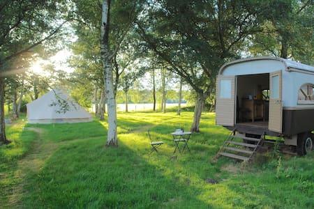Overnachten in een authentieke zigeunerwagen - Willebroek - Camper/RV