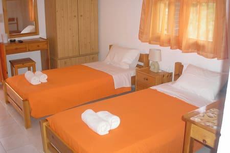 Divaris Charalampos 5 - Apartment