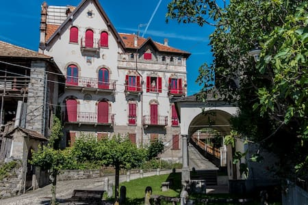 Castello Belvedere Centonara, appartamento grigio - Apartment