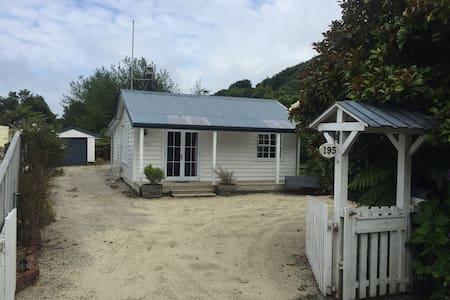 Koru cottage - Hokitika - Haus