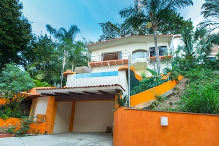 Top 20 holiday lettings sayulita holiday rentals for Casa jardin sayulita