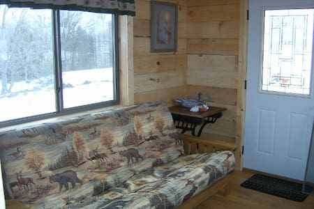 Duck Dynasty Cabin - Chariton - Cottage