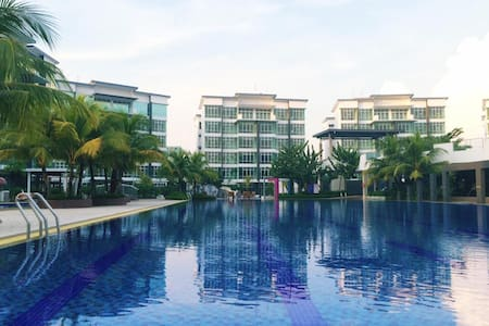 Luxury & Cosy Condominium @ Sutera mall Area (NEW) - Lägenhet