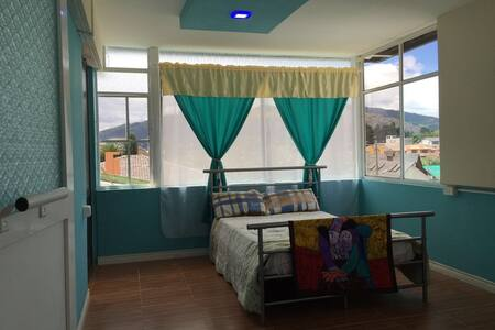 Habitación muy confortable a 20 minutos de Quito - Talo